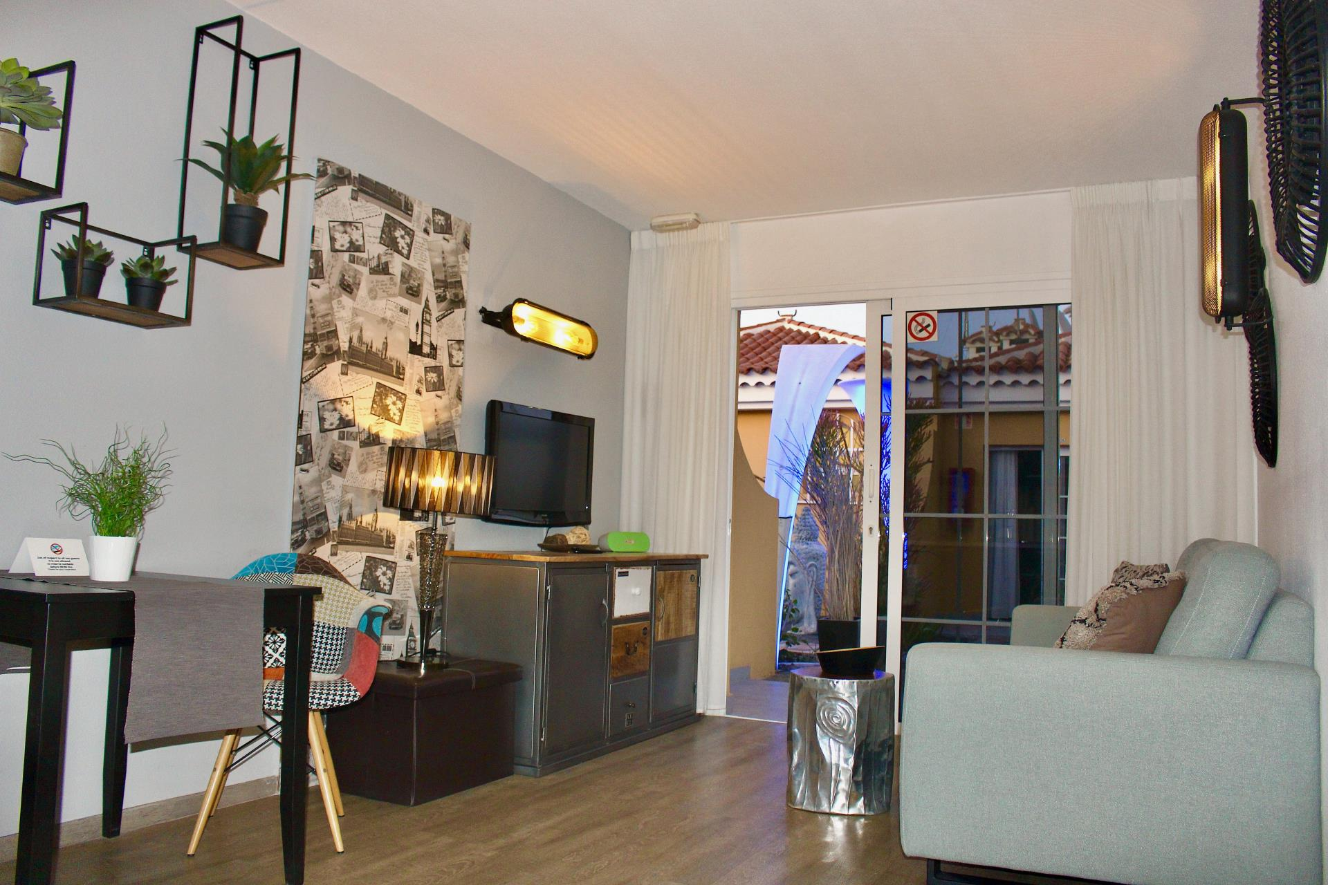 Gay Resort Hotel Club torso Gran Canaria bungalow pure comfort