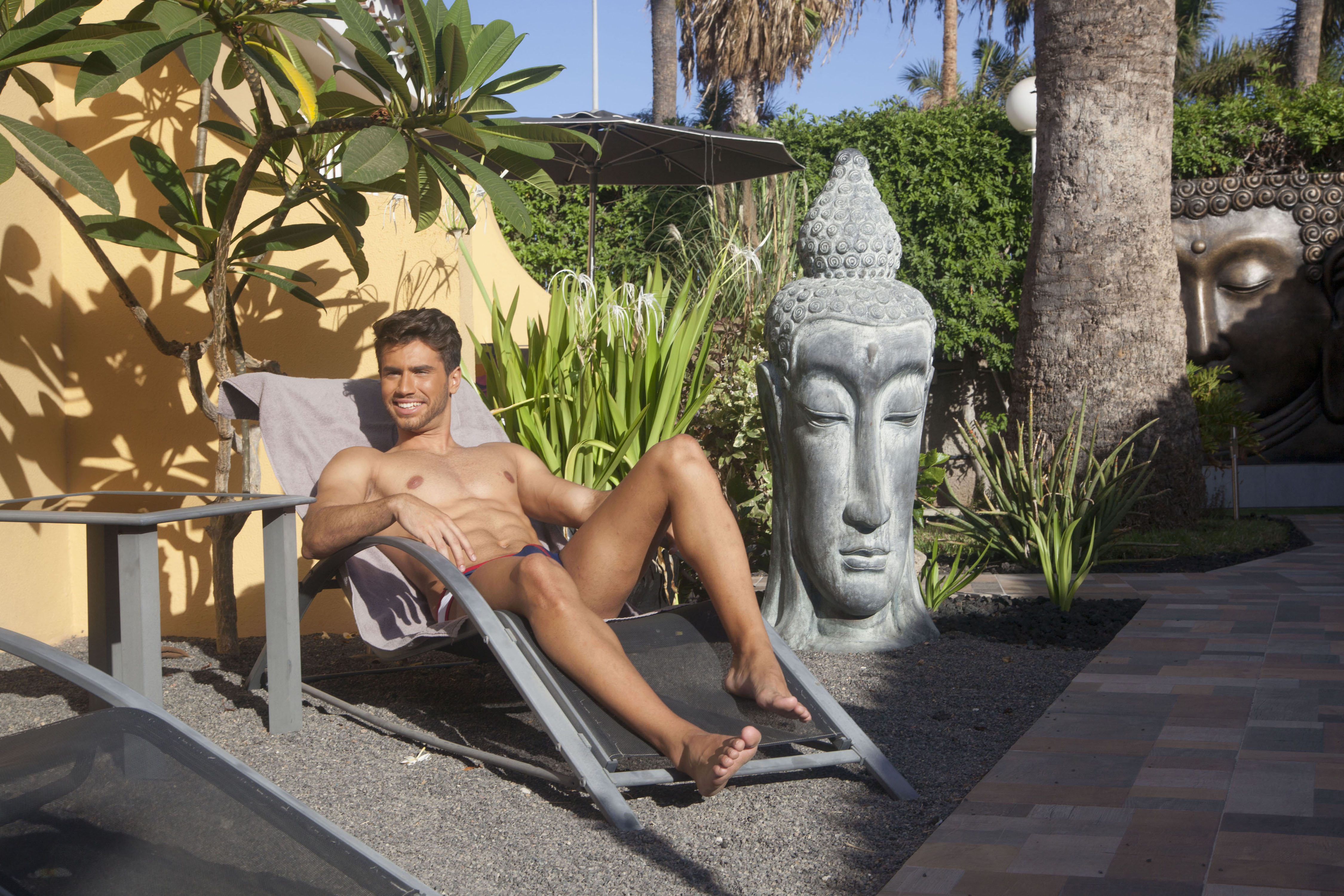 Gay Resort Hotel Club torso Gran Canaria buitenplaats zitplek