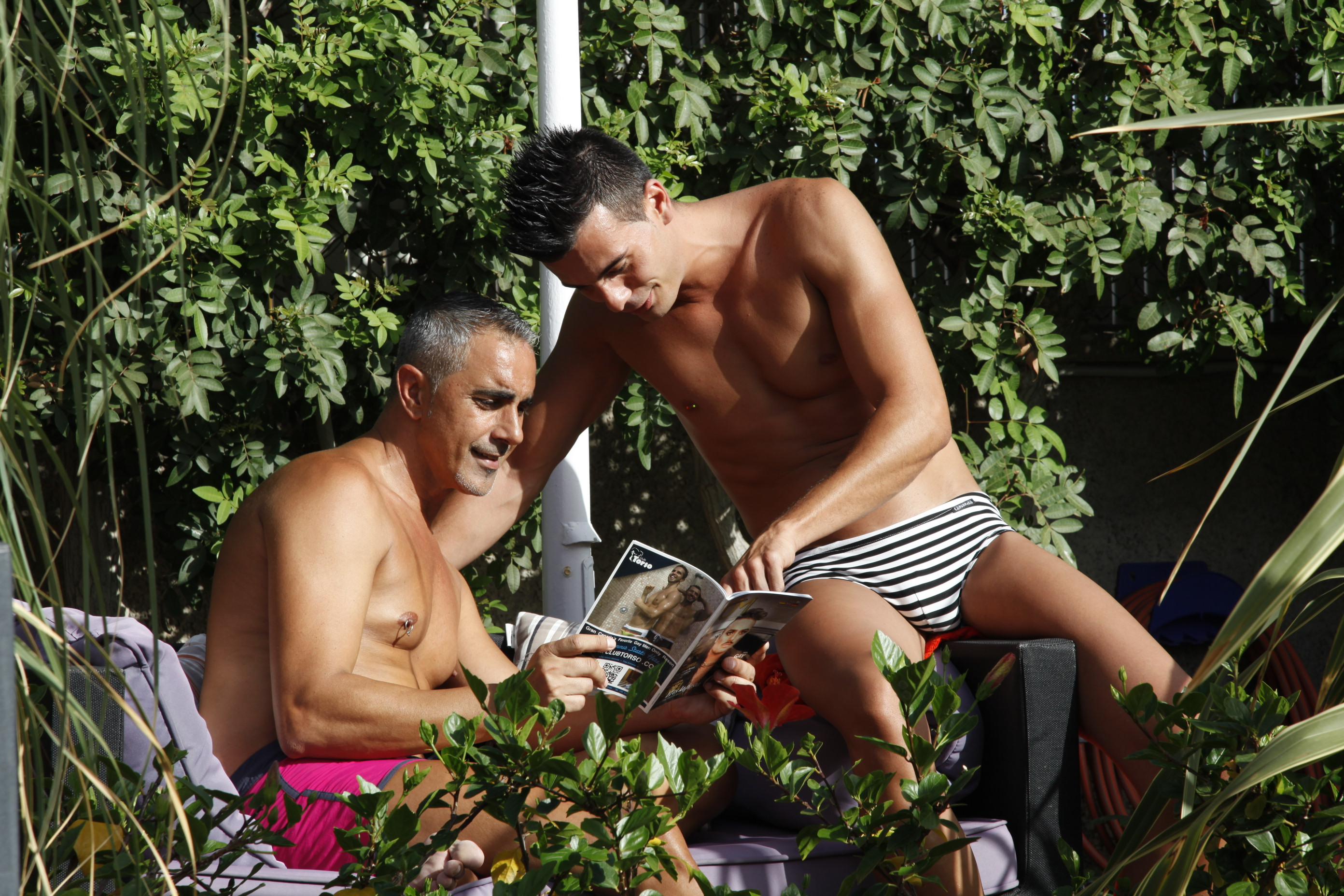 Gay Resort Hotel Club torso Gran Canaria tuin zitplek