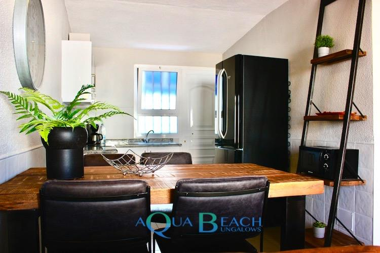 Aqua Beach Bungalows gay resorts maspalomas Gran Canaria suite superior eettafel