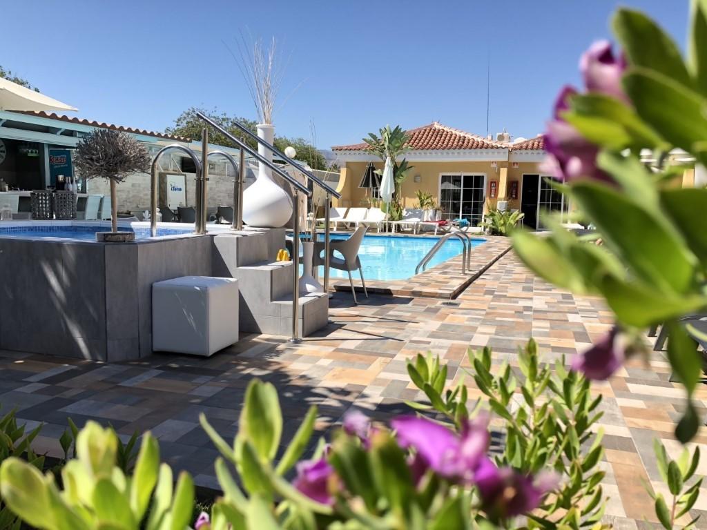 Gay Resort Hotel Club torso Gran Canaria tuin zwembad