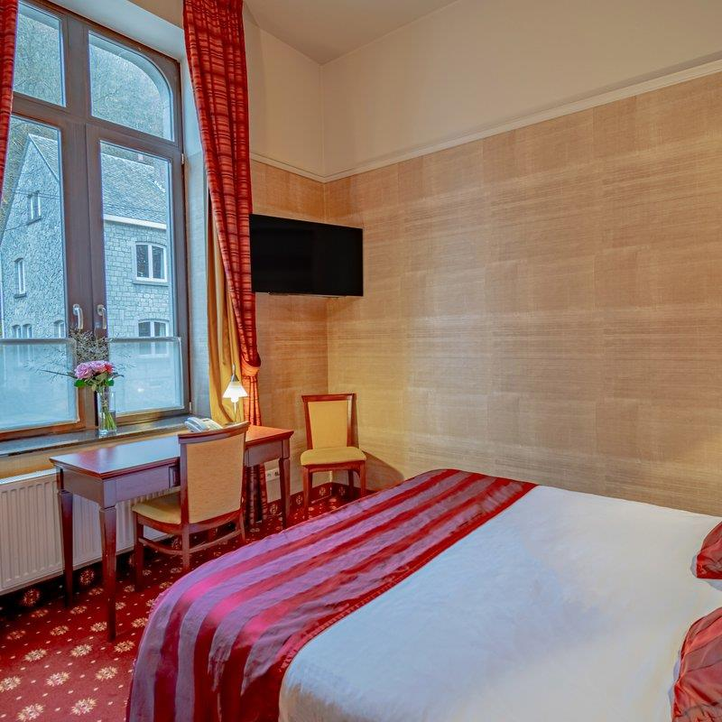 standard-double-room-001-square-small.jpg