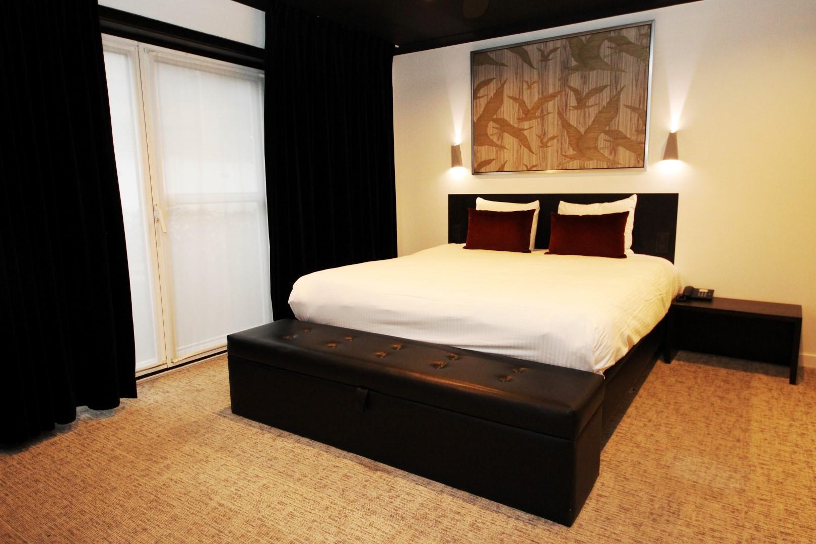 sweet-room-large.JPG