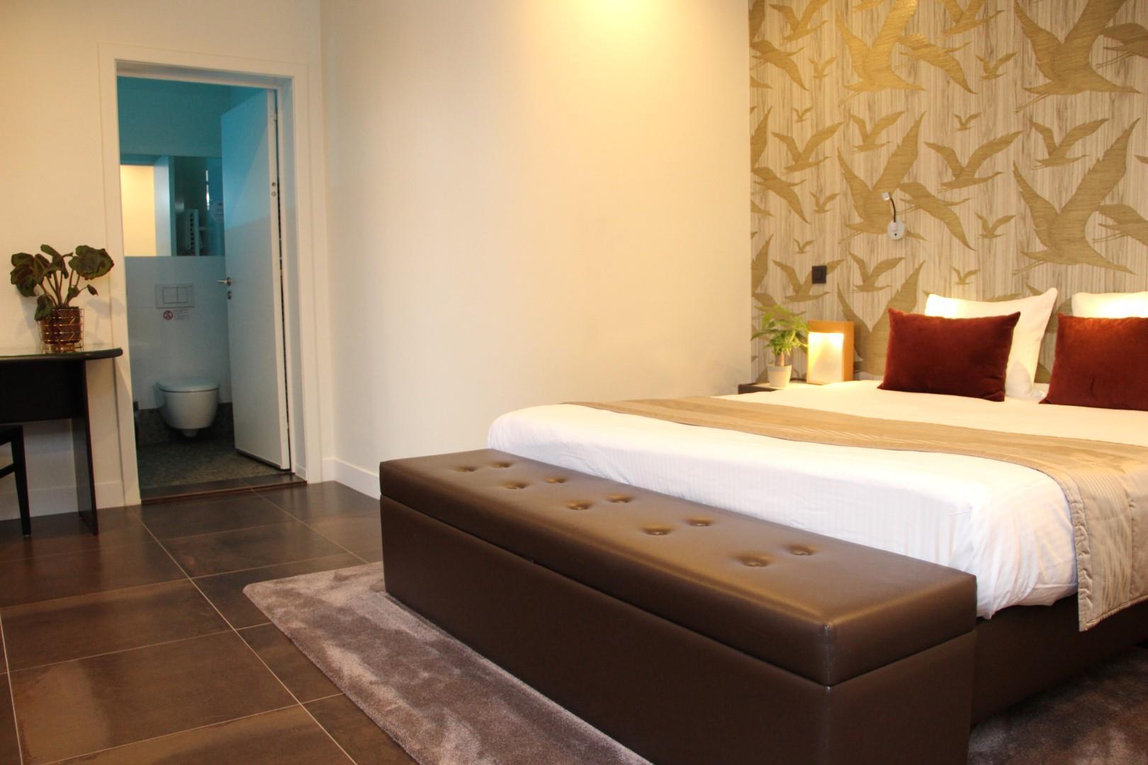 wonderful-spa-room-7-large.JPG