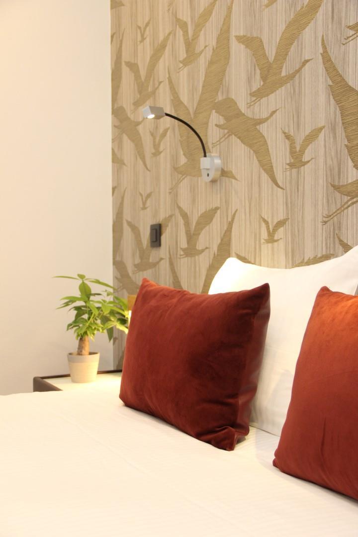 wonderful-spa-room-8-large.JPG