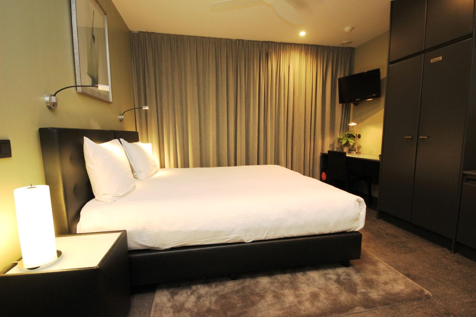 wonderful-spa-room-large.JPG