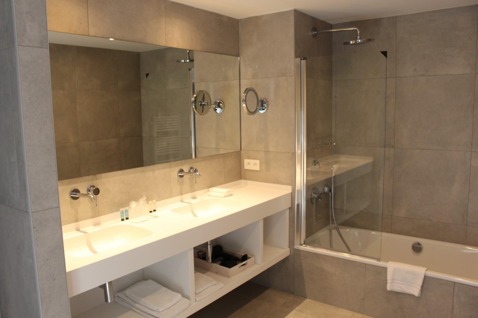 badkamer-junior-groot.JPG